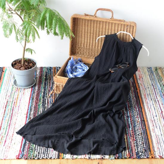 【新商品】夏旅に着ていきたい、シワを気にせず持ち運べるワンピース。