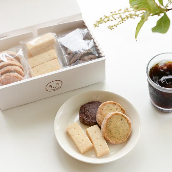 【数量限定で新登場】OYATSUYA SUN の「クッキーボックス」を販売します。