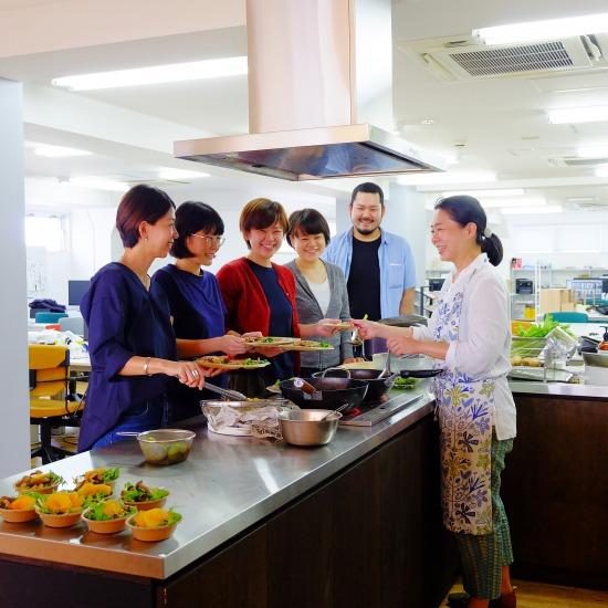 【ただいま収穫中!】「クラシコムの社員食堂」と坂ノ途中の野菜がコラボしました