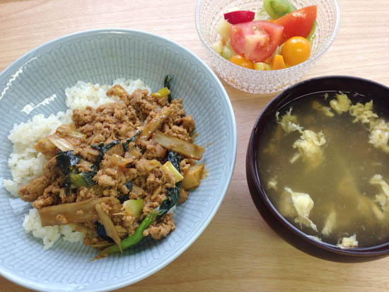 【クラシコムの社員食堂】鮮やかな野菜。