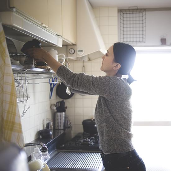 【特集|片付け術】第1話:本多さおりさんに教わる収納_キッチン編