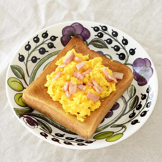toast_1_scrambledegg