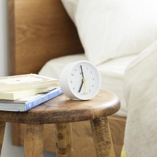 【新商品】いまなら当店だけ♪国内先行販売!BRAUNの丸い形の置き時計。