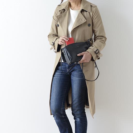 【新商品】このバッグさえあれば、ワードローブがかっこ良く決まる!アンキャシェットのレザーポーチショルダー。