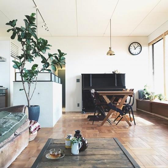 【インスタグラムで見つけたステキな暮らし】第2話:アンティークの家具や古道具、そして花が大好きな暮らし。