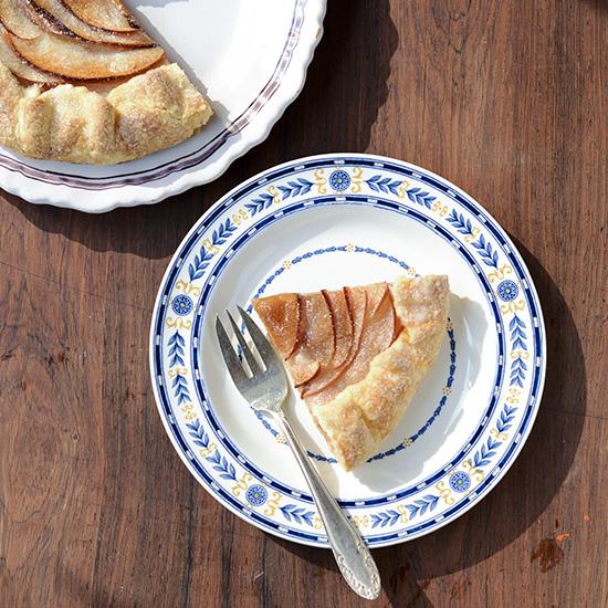 【料理家さんの定番おやつ】小堀紀代美さんの、季節のフルーツのパイ。