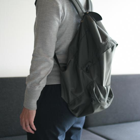 1605_gokigen_hada_rucksack