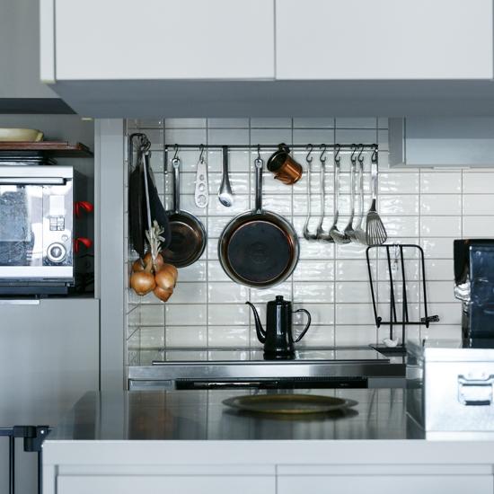 【インテリア特集】第3話:「業務用っぽさ」が理想の、キッチンづくり。