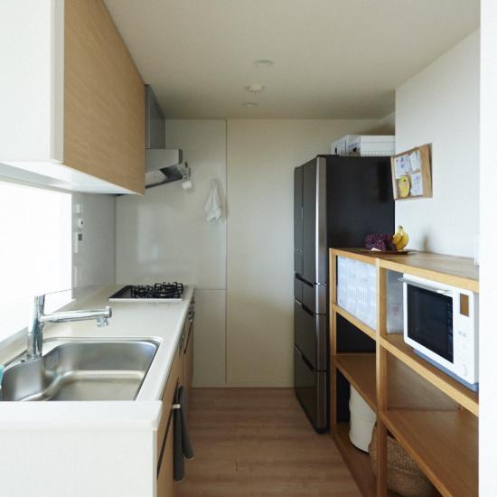 【キッチンのすっきり収納術】第1話:手が届きにくいから、一目瞭然に。吊り戸棚の収納アイデア。