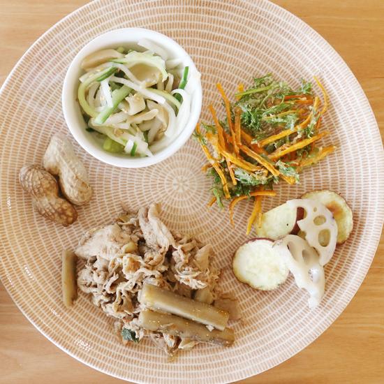 【クラシコムの社員食堂】ニンジン葉と落花生で秋を感じた社食でした。