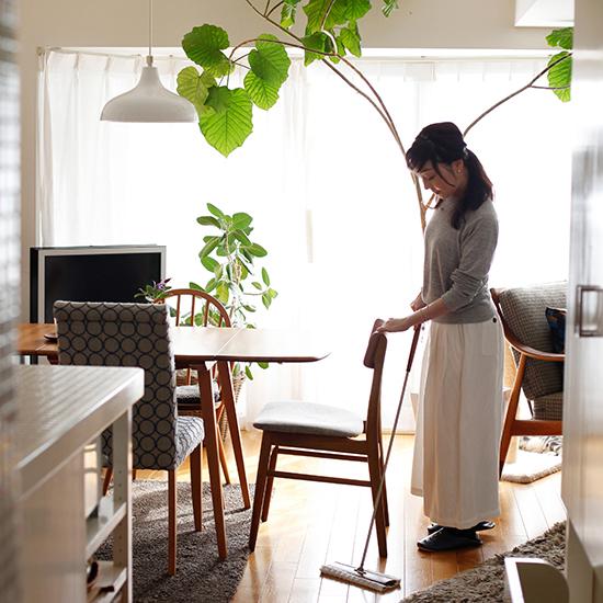 【tidyフロアワイプ発売記念特集】内田彩仍さんの日々のお掃除時間。