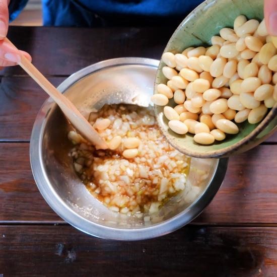 【ただいま収穫中!】目分量でOK。冷凍できる「ゆで大豆」が便利!常備菜へのアレンジレシピも