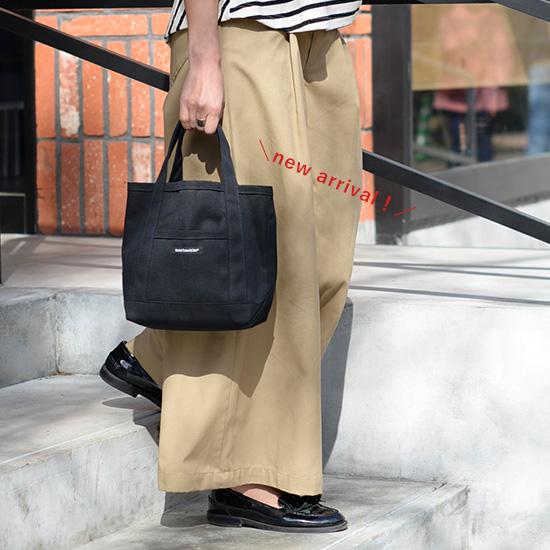 【新商品】春のお出かけの相棒に♪マリメッコの定番トートバッグに待望のブラックカラーが登場です!