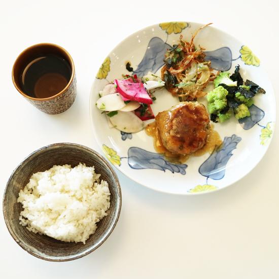 【クラシコムの社員食堂】不思議な形の野菜、ロマネスコの季節です。