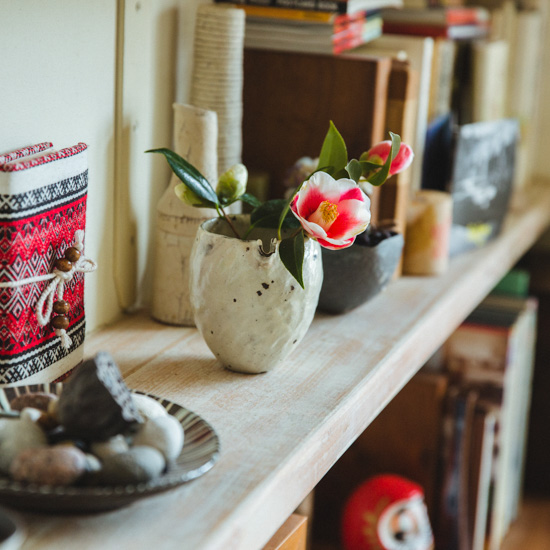 【花と暮らそう、春】第3話:1本でも惹きつけられる、「お花×器」の組み合わせ
