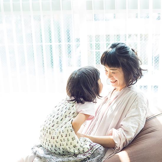 【BRAND NOTE】後編:親子のいい時間が続くように。お母さん社員がQooに込めた、気持ちのバトンパス。