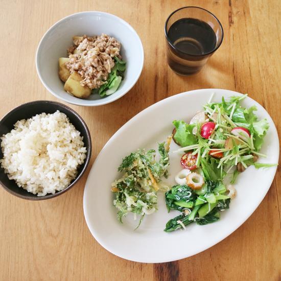 【クラシコムの社員食堂】珍しい食材、ねぎ坊主をかき揚げにしました!