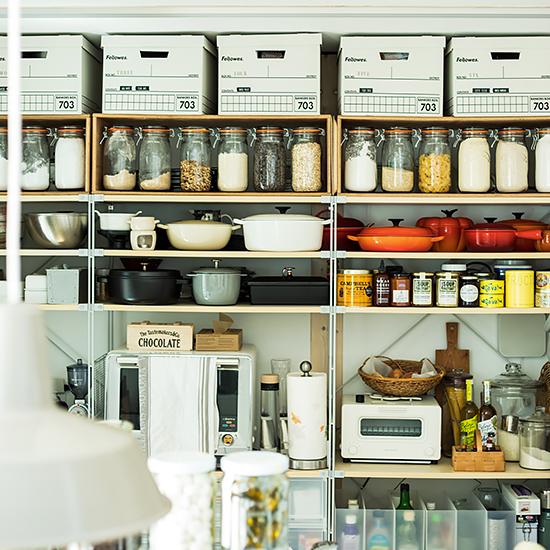 【暮らし上手の収納術】第1話:ユニットシェルフが主役!ショップスタイルのキッチン収納