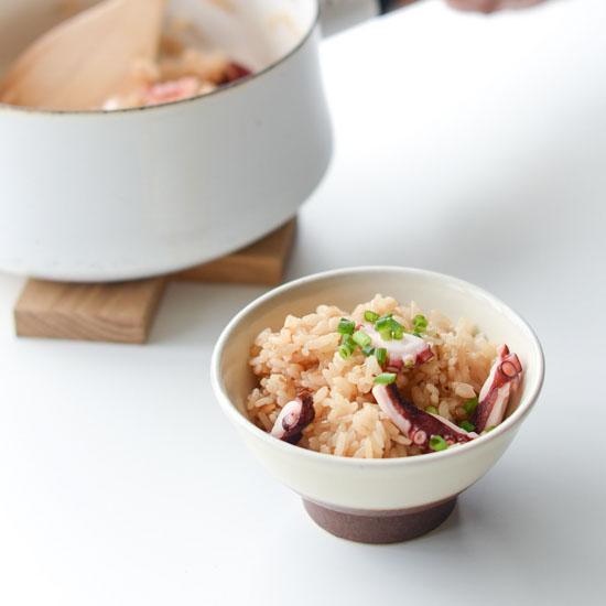 【料理家さんの定番レシピ】第4話:具材をやわらかく仕上げるには?炊き込みごはんの作り方
