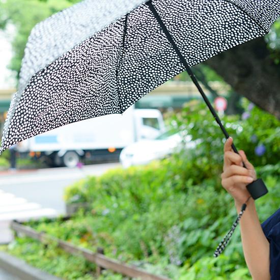 【今日のクラシコム】雨の日だってご機嫌にすごしたい!梅雨時スタッフのファッション事情。