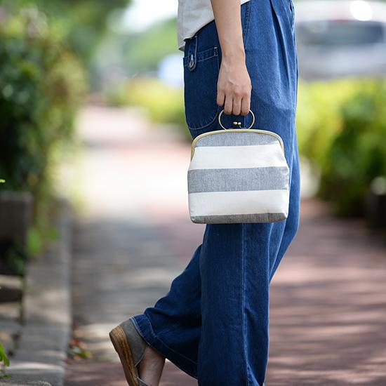 【新商品】ちょっとそこまでのお出かけに、夏の旅行に、花火大会に。レトロな佇まいの「がま口バッグ」。