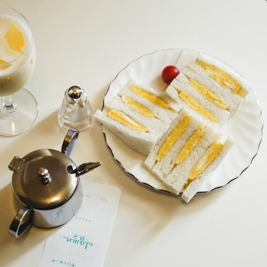【木曜日になったら、純喫茶】自慢のタマゴサンドをほおばりながら、読書の寄りみち