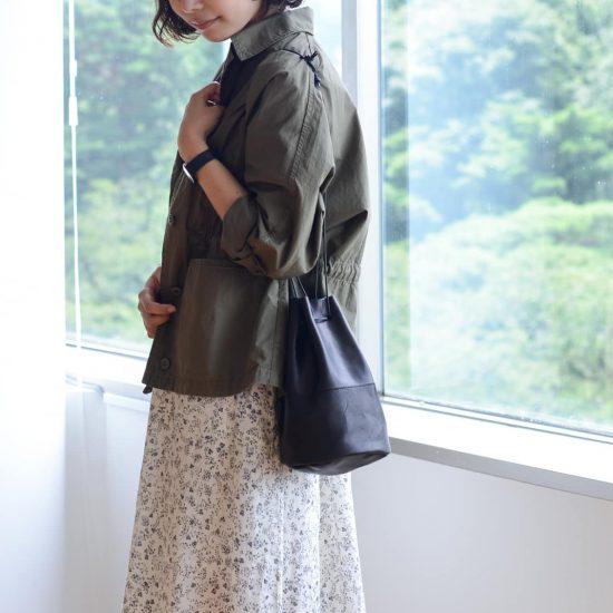 【新商品】ころんとした可愛さとたっぷり収納が叶う、2WAYレザー巾着バッグ。