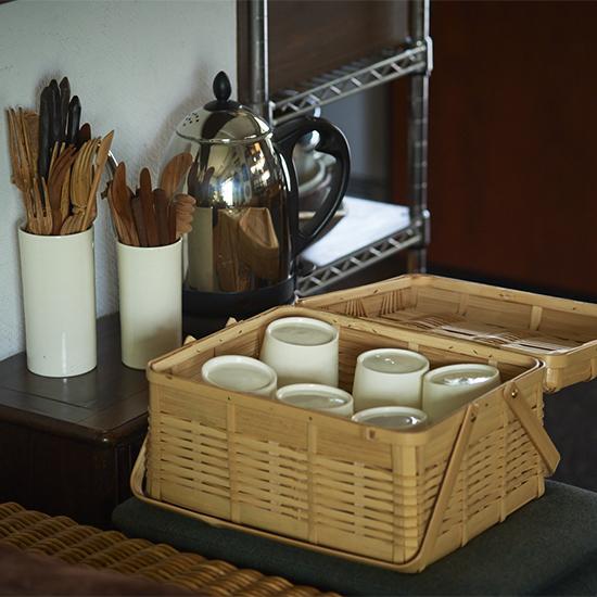 【インテリア特集】第4話:「衣替え」しながら使う。料理家こてらみやさんの食器棚事情