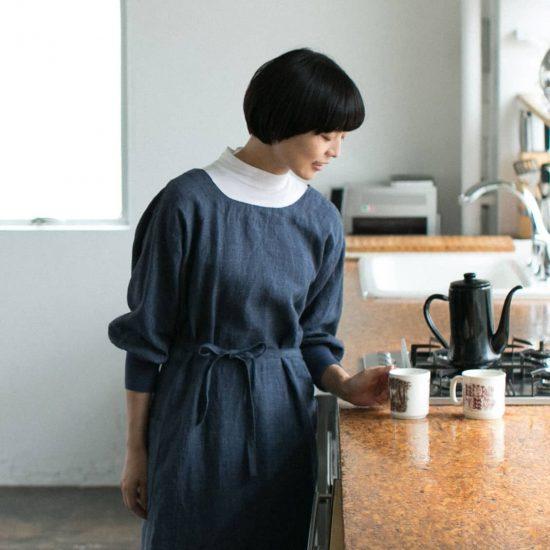【新商品】羽織ればリネンコートにも♪家しごとを楽しくする、当店オリジナルの「かっぽう着」ができました!