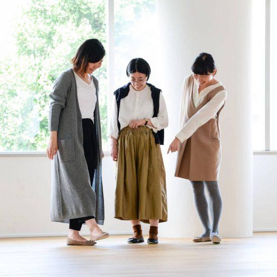 【着用レビュー】レペットのバレエシューズを、サイズ違いの4人のスタッフが履いてみました!