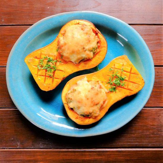【ただいま収穫中!】バターナッツかぼちゃをまるごと。八百屋が教える、見た目もかわいい「グラタンレシピ」