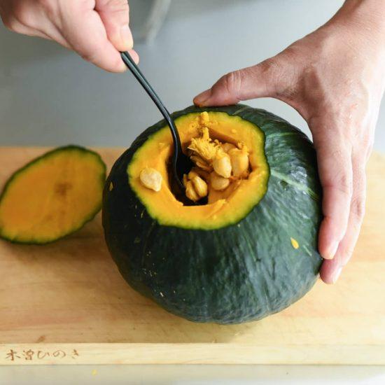 【料理家さんの定番レシピ】第2話:かぼちゃ丸ごと使い切り!ボリューム満点「まるごとかぼちゃの肉詰め」