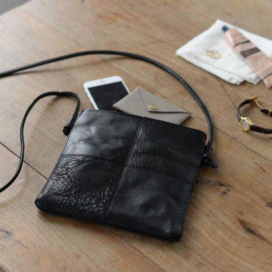 【新商品】3WAY仕様だから使い回し力抜群。手仕事の温かみを感じるyesのレザーサコッシュバッグ。
