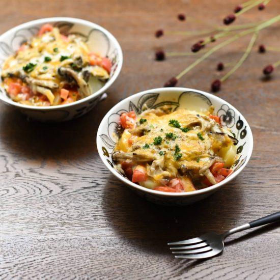 【料理家さんの定番レシピ】第5話:生クリームと小麦粉いらず!「きのことポテトのチーズグラタン」