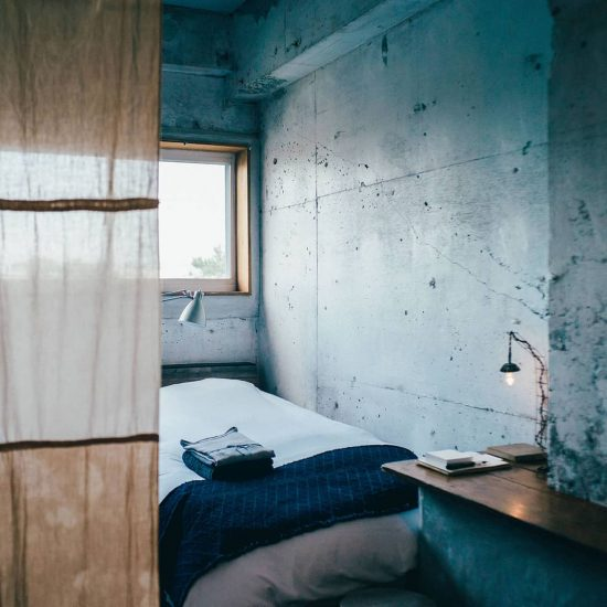 【私たちの常連店】前編:何もしない、それで充分。わたしの価値観を変えた鎌倉のホテル。