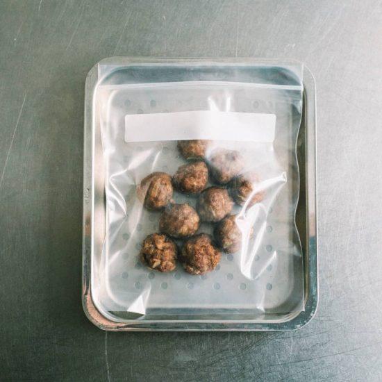 【がんばらないお弁当】その3. まとめて揚げてそのまま冷凍!肉団子の甘酢和え