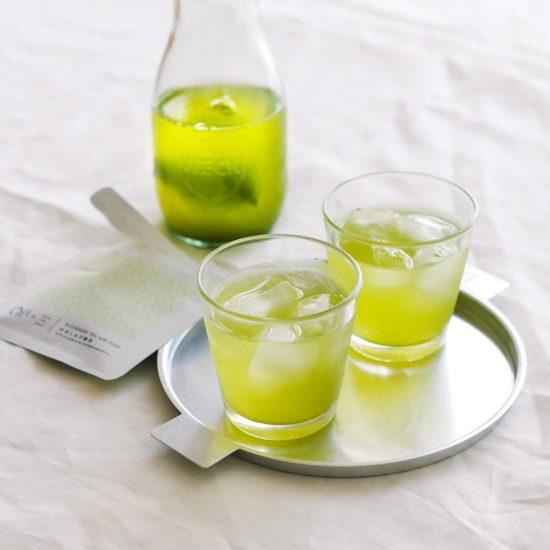 【キャンペーン中!】佐賀県嬉野市の茶畑から届きました。30秒で作れる「水出しゆず緑茶」をご注文者さま全員にプレゼント!