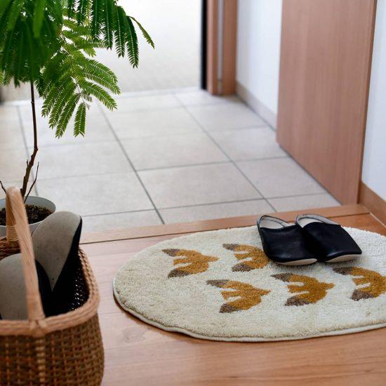 【新商品】家に帰るのがもっと楽しみになる、カモメ柄の玄関マットをつくりました。