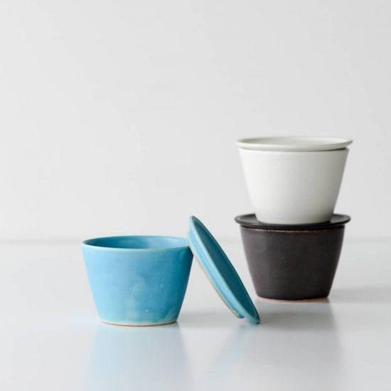 【新商品】陶芸家・飯高幸作さんの新作、食卓を彩る小皿付きマグの登場です!