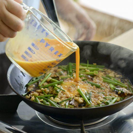【缶詰があれば】第3話:これ1品で家族も満足。「さんまの卵とじ丼」