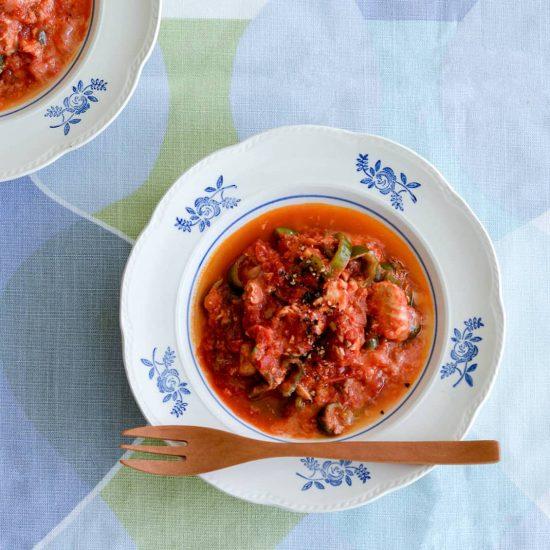 【缶詰があれば】第2話:メインおかずにも、パスタにしても!「鮭缶のトマト煮込み」
