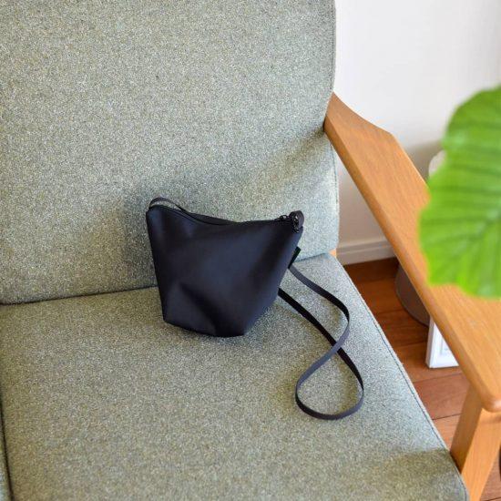 【スタッフコラム】バッグを小さくしてみたら。
