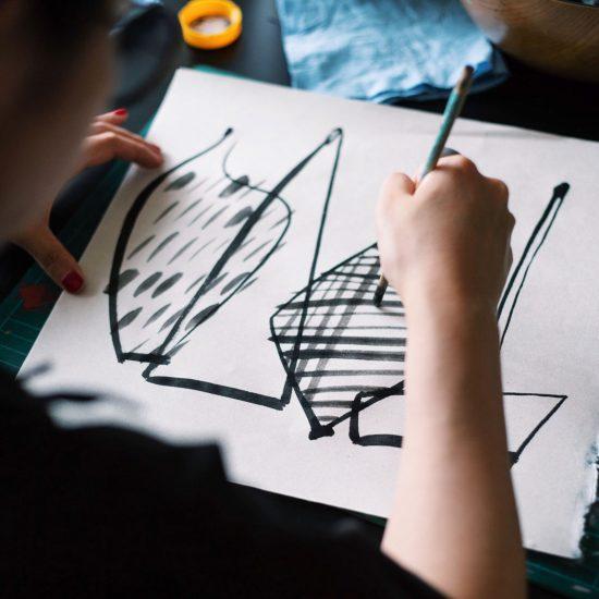 【手帳キャンペーン】表紙を描いたのはどんな人?デザイナー・サトウアサミさんの作品づくり