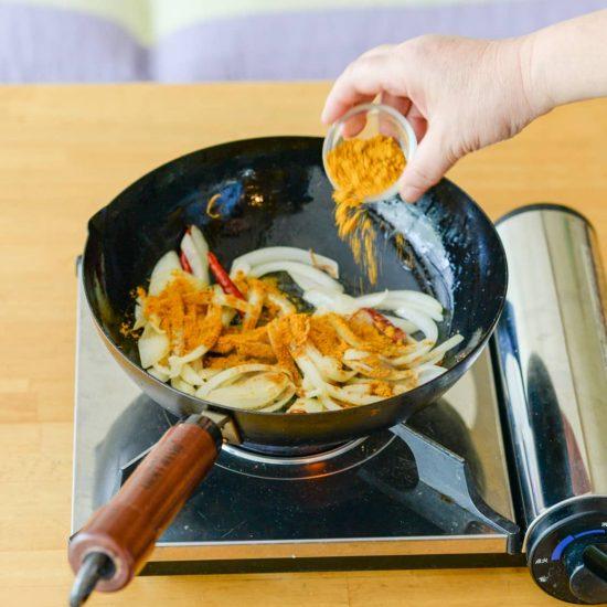 【缶詰があれば】第5話:シンプルな味に飽きたら。鯖缶ですぐ作れる「本格派エスニックカレー」