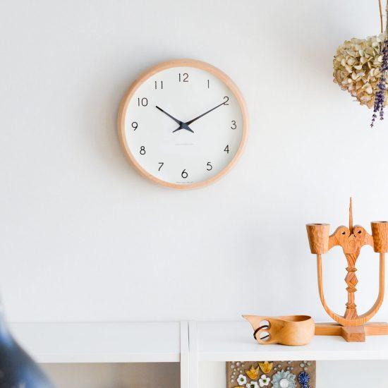 【新商品】佇まいも、機能もしっくり心地よい。ちょうどいい掛け時計が登場です!