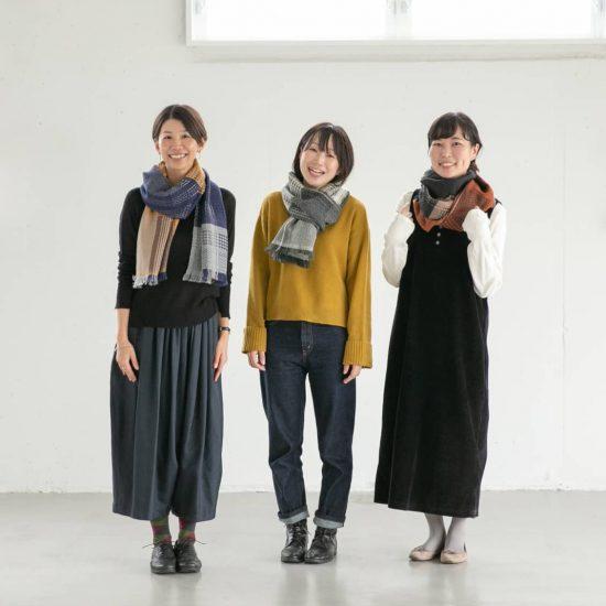 【着用レビュー】髪型別のアレンジ方法も!kobo orizaの「マフラー」を3名のスタッフが巻いてみました