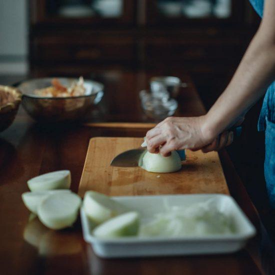 【冷凍スープで朝ごはん】第5話:即席オニオングラタンも簡単に!たまねぎペーストを作り置き