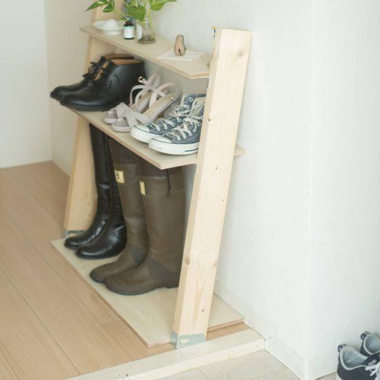 【玄関のすっきり収納術】04:賃貸でもカンタンに取り付けできる「ゆるDIY」、スタッフ宅の収納アイデア3つ