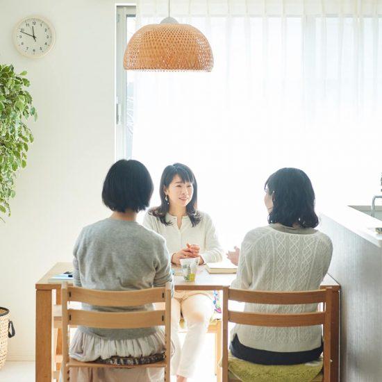 【はじめましての春に】前編:ラジオDJ秀島史香さんに聞く、初対面の人との向き合いかた。