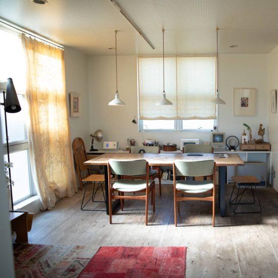 【あの人の家へ】第1話:都心で暮らして50年。自分らしく年齢を重ねる、土器典美さんの住まい